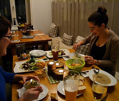 Die Eintopf- und Suppentage in Bad Essen, Bramsche, Bohmte, Belm, Ostercappeln und Wallenhorst finden jährlich im November statt und bieten wirklich allerlei leckere Eintöpfe und Suppen.