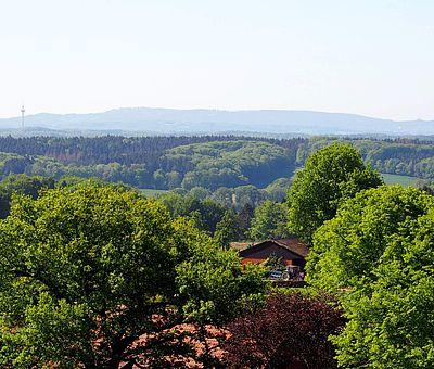 Auf dem Aussichtsturm in Venne hat man ein schönes Natur-Erlebnis im Osnabrücker Land
