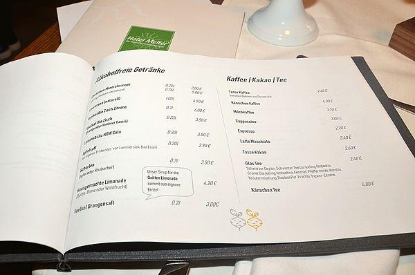 Im Bio-Restaurant goldwerth in Bad Laer können Sie aus einer kleinen, saisonal wechselnden Speisekarte oder Tagesgerichten wählen. Das Restaurant arbeitet mit regionalen Anbietern zusammen.