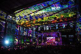 Das Morgenland Festival Osnabrück widmet sich seit 2005 der faszinierenden Musikkultur des Vorderen Orient, von traditioneller Musik bis zu Avantgarde, Jazz und Rock.