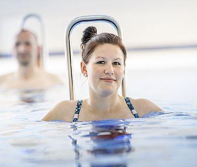 Das Gesundheitszentrum Sole‐Vital in Bad Laer ist ein hochmodernes Zentrum für gesundheitsbewusste Freizeitgestaltung. Die sportlichen Angebote umfassen Kurse für Aqua‐Pilates oder Aqua-Yoga.