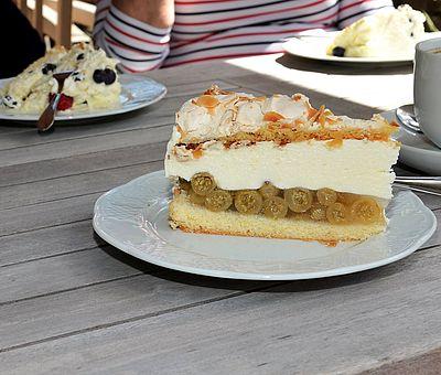 Geheimrezept: Im Hofcafé Liesel und Lotte auf Hof Gösling in Osnabrück-Pye wird der Kuchen mit hofeigenem Joghurt hergestellt.