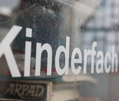 Büchertausch im Osnabrücker Land: Auch die Kleinen haben einen nachhaltigen kostenlosen Lesespaß.